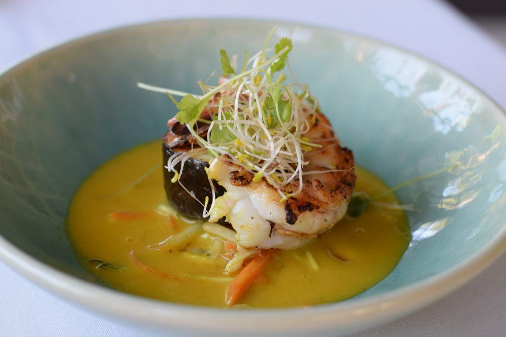 Laksa w prawn and seabass
